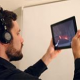 Создана технология просмотра фильмов, где сюжет меняется в зависимости от положения экрана